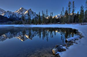 Stnly_lake_winter_001.jpg